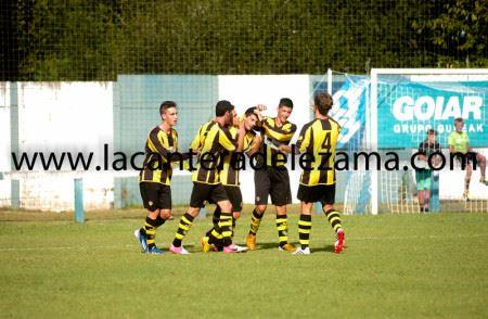Celebración del gol de Villalibre | Foto: Unai Zabaleta