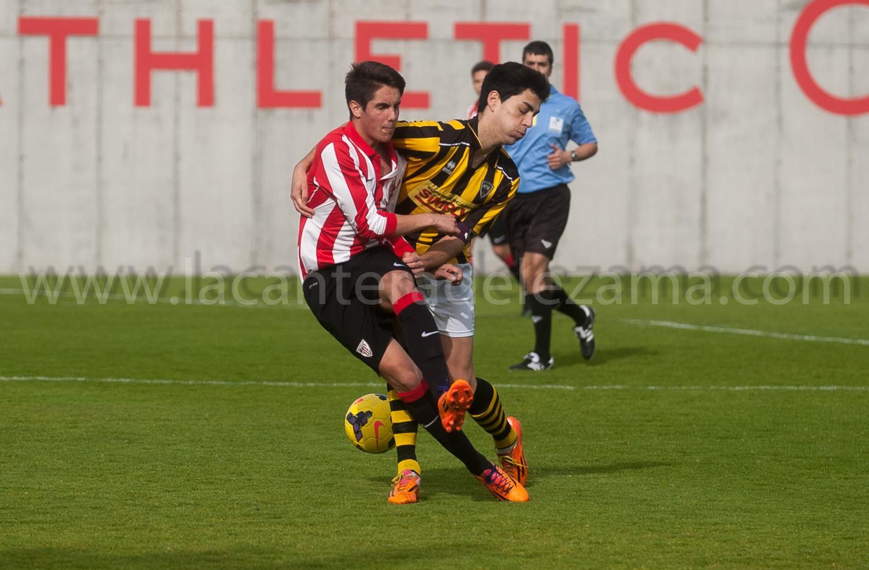 Luken Iturrino durante el partido   Foto: Unai Zabaleta