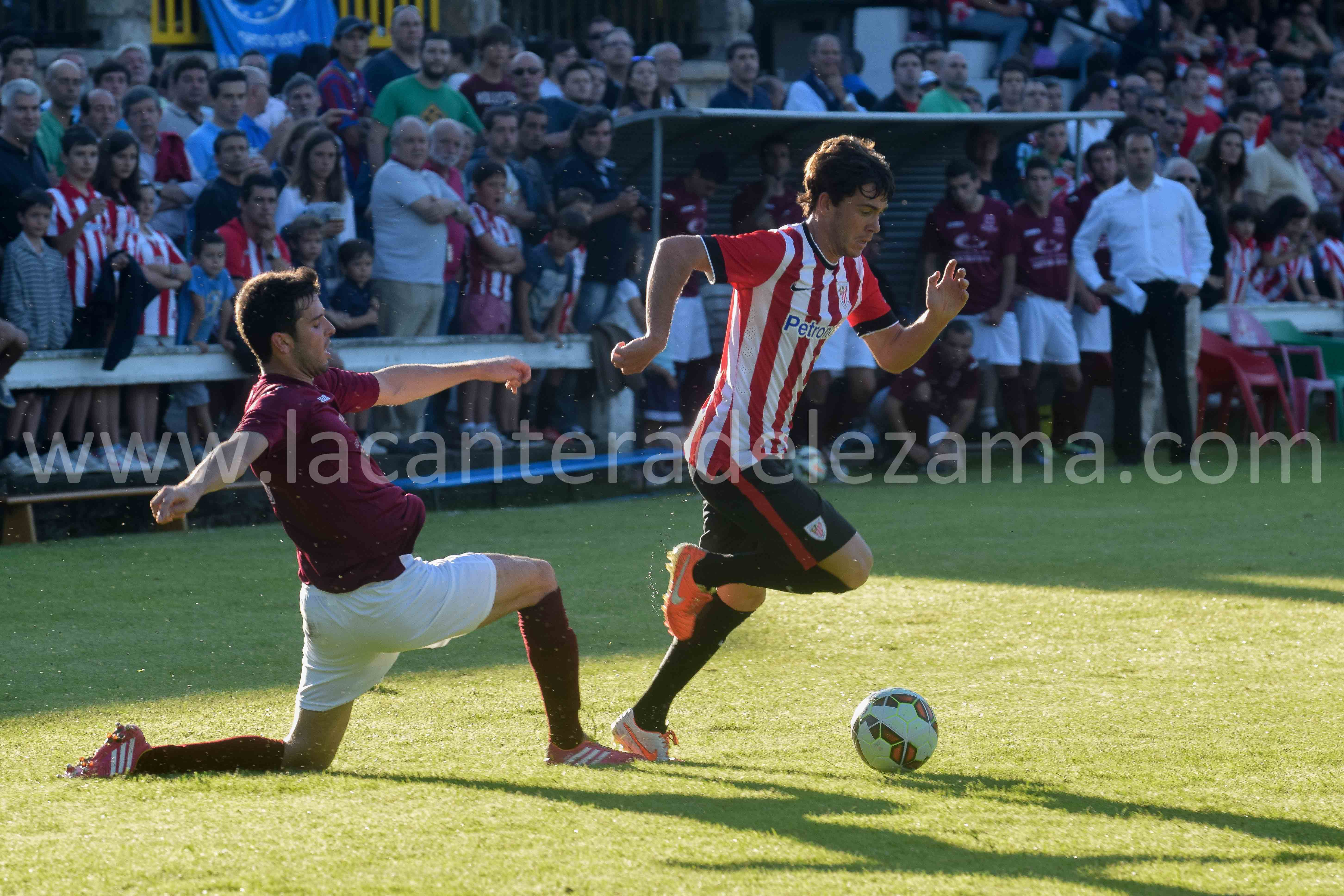 Iker Guarrotxena frente a la selección de Getxo | Foto: Unai Zabaleta