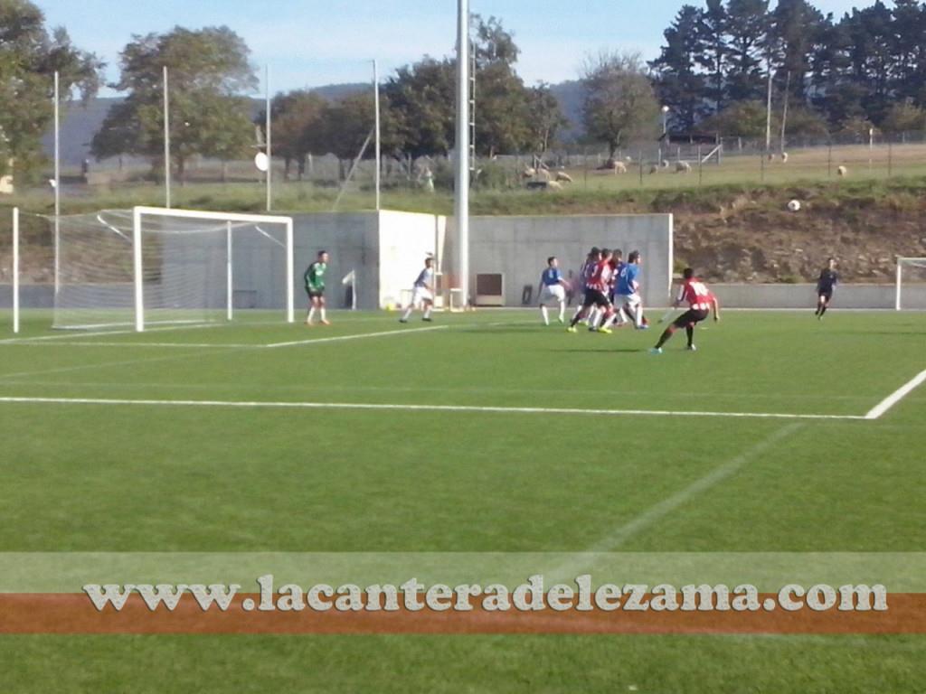 El Athletic ha goleado al Gernika 10-0 en Lezama | Foto: Javi Martin