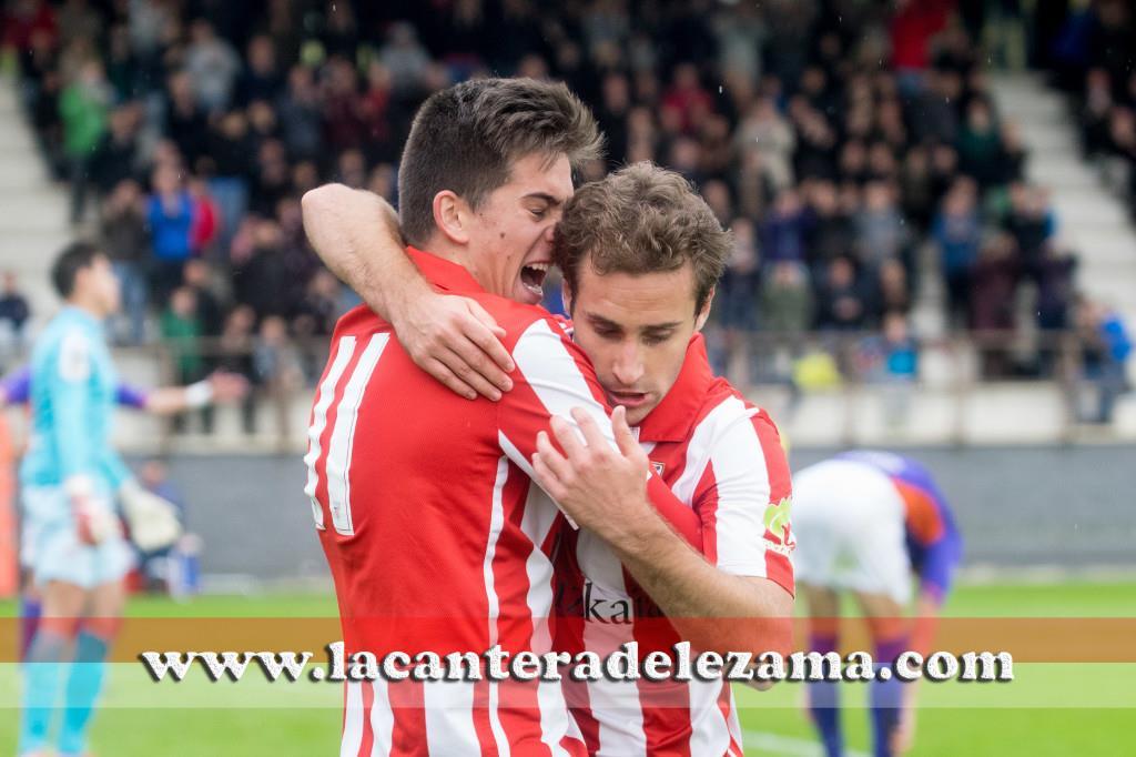 Santamaria celebra su gol junto a Seguin | Foto: Unai Zabaleta