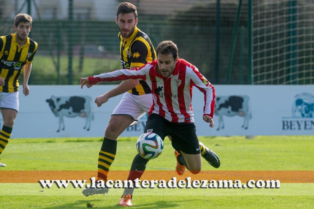 Gorka Santamaria durante el partido | Foto: Unai Zabaleta