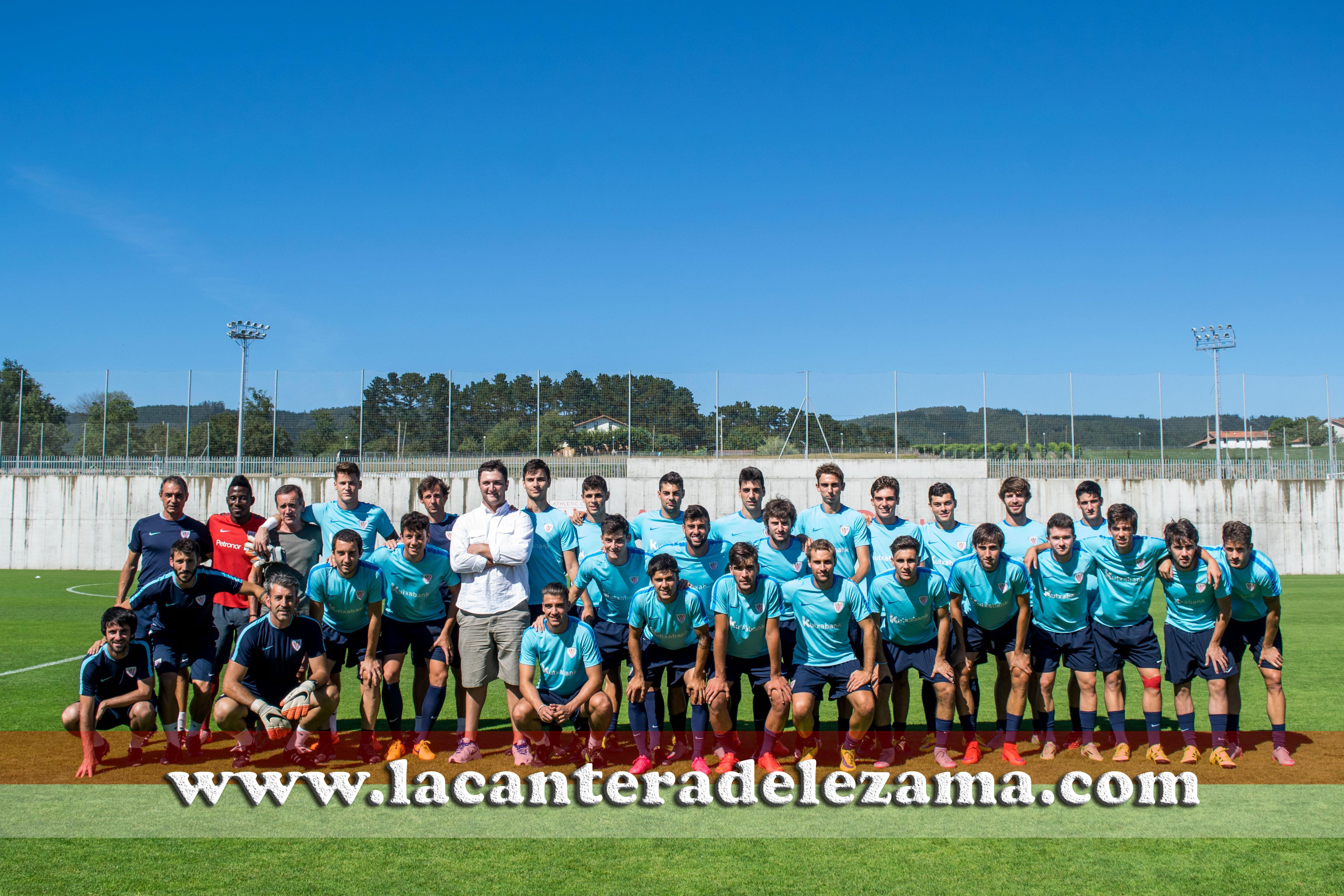 El Bilbao Athletic junto a Jon Rahm, número uno mundial del golf amateur | Foto: Unai Zabaleta