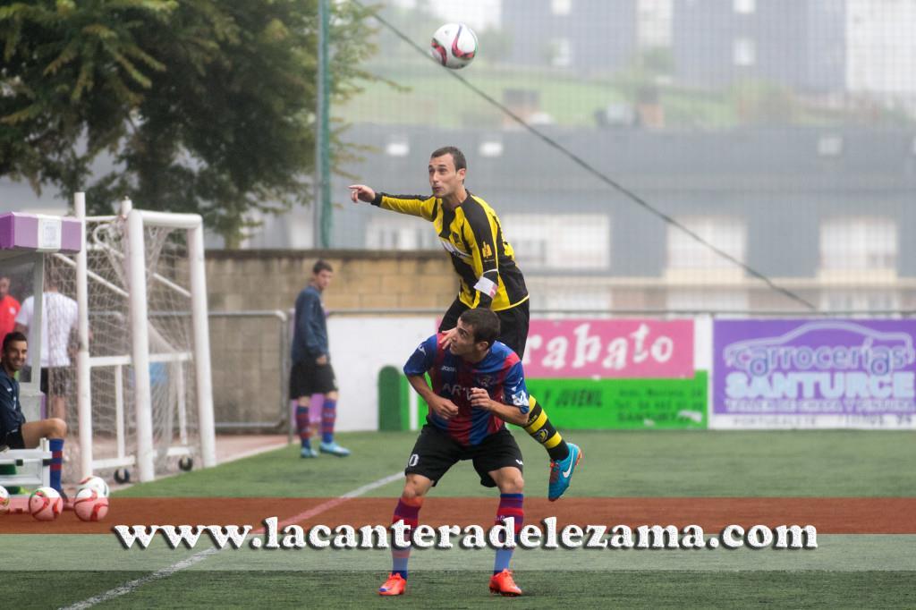 Ander Santamaria, autor del unico gol de hoy, ante el Leioa | Foto: Unai Zabaleta
