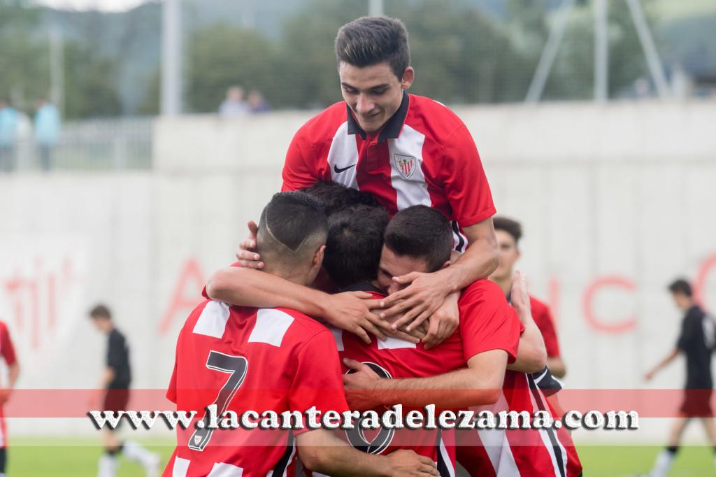 El Athletic Juvenil Nacional celebra un gol en Lezama | Foto: Unai Zabaleta
